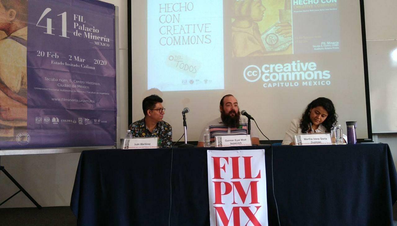 Iván Martínez, Gunnar Wolf and Irene Soria, Creative Commons Mexico chapter durante la presentación del libro Hecho con Creative Commons en la FIL Minería